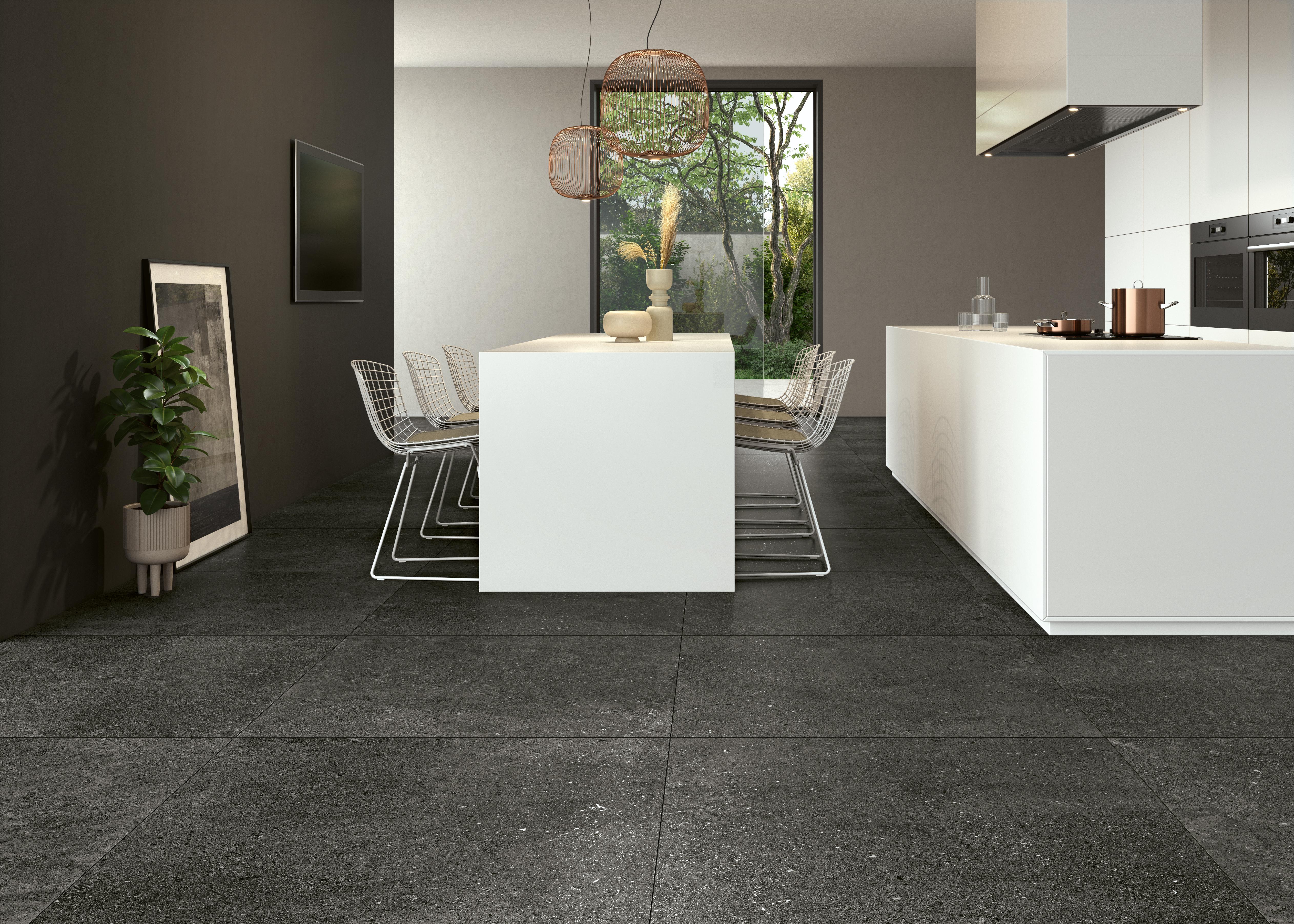 dunkel grau Steinoptik Bodenfliesen in der Küche, dark grey stone effect tiles  on the kitchen floor